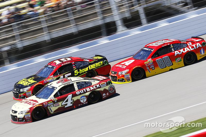 Kevin Harvick, Stewart-Haas Racing Chevrolet, Dale Earnhardt Jr., Hendrick Motorsports Chevrolet, Cl