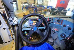 Место пилота гоночного КамАЗа капотной компоновки