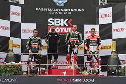 Podium: race winner Tom Sykes, Kawasaki Racing, Jonathan Rea, Kawasaki Racing, third place Chaz Davi