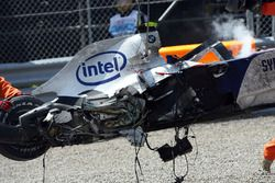 Robert Kubica, BMW Sauber F1 Team, F1.07, crashed heavily during the race
