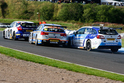 Unfall: Colin Turkington, Subaru Team BMR; Rob Collard,Team JCT600 with GardX
