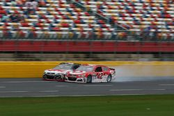 Fotofinish: Kyle Larson, Chip Ganassi Racing Chevrolet, und Chase Elliott, Hendrick Motorsports Chev