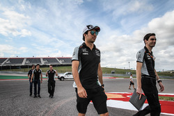 Sergio Perez, Sahara Force India F1 wandelt over het circuit