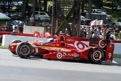 Scott Dixon, Chip Ganassi Racing Chevrolet en tête-à-queue durant le warm-up