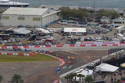 Restart : Conor Daly, Dale Coyne Racing Honda mène