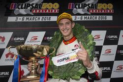 Podium: winnaar Nick Percat, Lucas Dumbrell Motorsport Holden