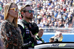 Kurt Busch, Stewart-Haas Racing Chevrolet with girlfriend