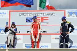 Подиум: Леонардо Пульчини (победитель), Татьяна Кальдерон (второе место) и Фердинанд Габсбург (треть