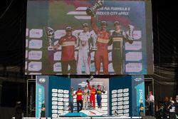 Podio: Ganador Lucas di Grassi, ABT Schaeffler Audi Sport, segundo lugar Jérôme d'Ambrosio, Dragon