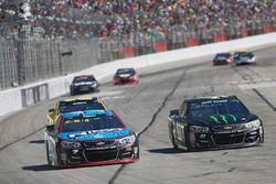 Regan Smith, Tommy Baldwin Racing Chevrolet, Kurt Busch, Stewart-Haas Racing Chevrolet