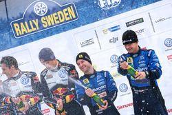 Podium: les 3e, Mads Østberg, Ola Fløene, M-Sport Ford