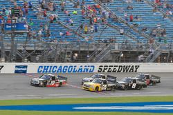 Noah Gragson, Kyle Busch Motorsports, Toyota Tundra Safelite AutoGlass and Dalton Sargeant, GMS Racing, Chevrolet Silverado Performance Plus Motor Oil take the green flag
