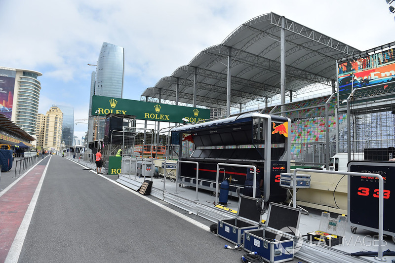 Red Bull Racing pit alanı