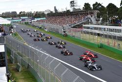 Départ : Lewis Hamilton, Mercedes-AMG F1 W09 EQ Power+ mène