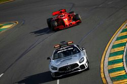 El Safety Car delante de Sebastian Vettel, Ferrari SF71H