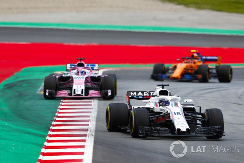 Лэнс Стролл, Williams FW41, Серхио Перес, Sahara Force India F1 VJM11, и Стоффель Вандорн, McLaren MCL33