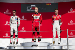 Tweede Anthoine Hubert, ART Grand Prix, winnaar Nikita Mazepin, ART Grand Prix, derde Callum Ilott, ART Grand Prix