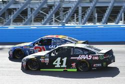 Курт Буш, Stewart-Haas Racing Ford и Райан Ньюман, Richard Childress Racing Chevrolet