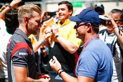 Kevin Magnussen, Haas F1 Team con Rubens Barrichello