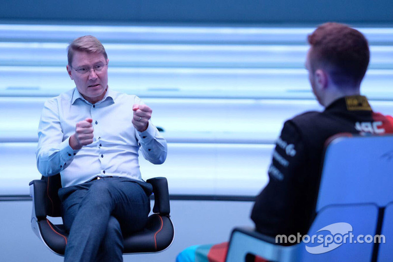 Mika Hakkinen with McLaren World's Fastest Gamer participant