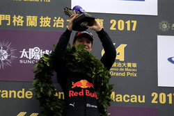 Podium: Race winner Dan Ticktum, Motopark with VEB, Dallara Volkswagen