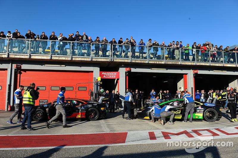 #17 Antonelli Motorsport: Loris Spinelli, Mikael Grenier, #30 Antonelli Motorsport: Emilian Dumitru Puscasu, Kikko Galbiati, Giraudi Gianluca