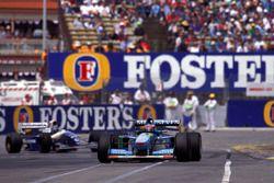 Michael Schumacher, Benetton B194 Ford, Damon Hill, Williams FW16B Renault
