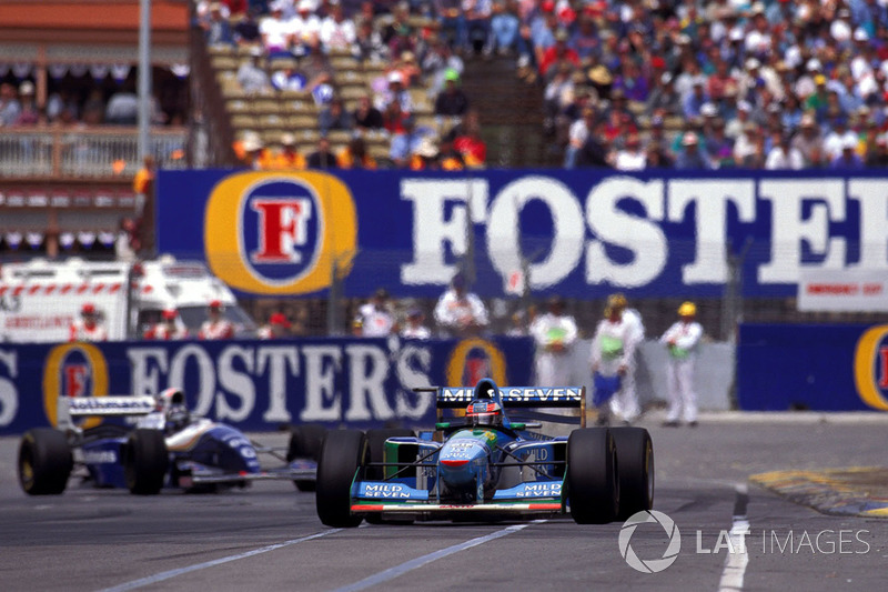 Michael Schumacher, Benetton B194 Ford, Damon Hill, Williams FW16B Renault