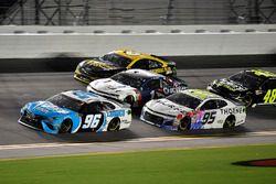 D.J. Kennington, Gaunt Brothers Racing, Toyota Camry Lordco / Castrol / Spectra Premium and Kasey Kahne, Leavine Family Racing, Chevrolet Camaro Thorne Wellness