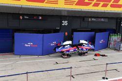 Scuderia Toro Rosso STR13 bodywork and garage screens