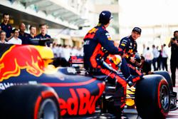 Daniel Ricciardo, Red Bull Racing, Max Verstappen, Red Bull Racing à la photo d'équipe
