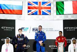 Подиум: победитель Оливер Роуленд, DAMS, второе место – Артем Маркелов, RUSSIAN TIME, третье место –
