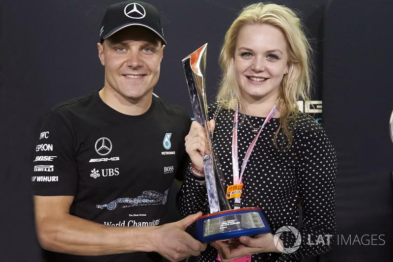 Yarış galibi Valtteri Bottas, Mercedes AMG F1, ve eşi Emilia