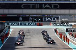Start of the Second Formula 2 race