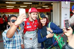 Fans pose for a photo in the pitlane with Daniel Abt, Audi Sport ABT Schaeffler