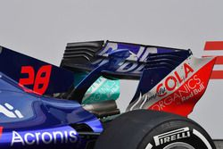 Заднее антикрыло Scuderia Toro Rosso STR13