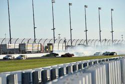 Kaz Grala, JGL Racing, NETTTS Ford Mustang, Chase Elliott, JR Motorsports, Hellmann's Chevrolet Cama
