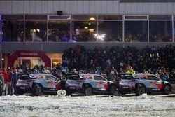 Andreas Mikkelsen, Anders Jäger, Hyundai i20 WRC, Hyundai Motorsport, Hayden Paddon, Sebastian Marshall, Hyundai i20 WRC, Hyundai Motorsport, Thierry Neuville, Nicolas Gilsoul, Hyundai i20 WRC, Hyundai Motorsport