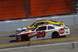 Christopher Bell, Joe Gibbs Racing, Rheem Toyota Camry and Chase Elliott, JR Motorsports, Hellmann's Chevrolet Camaro