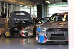 Pit Lane Competizioni garage
