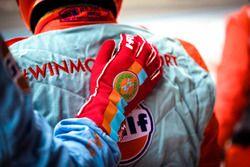 #1 WIN Motorsport team members glove detail