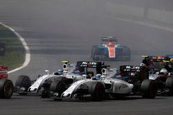 Старт гонки: Фелипе Масса и Валттери Боттас, Williams FW38 Mercedes