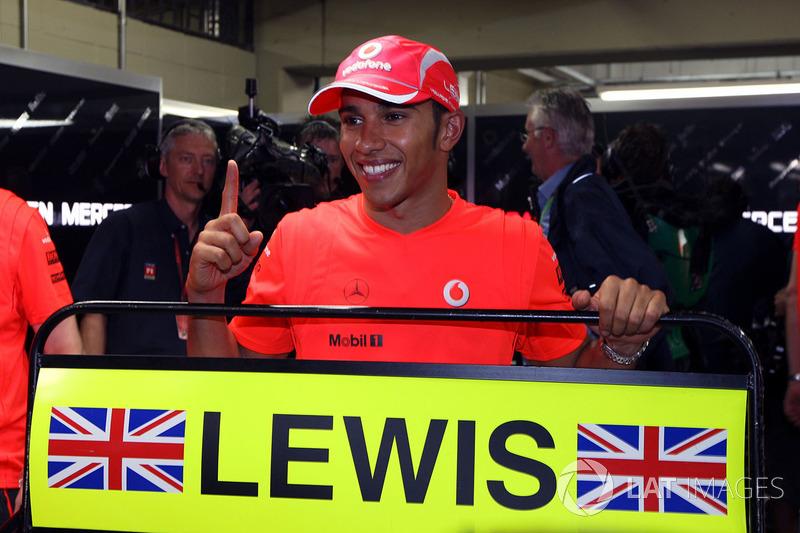 Como Schumacher, Hamilton ha sido campeón con dos equipos. Lleva cinco con Mercedes, pero el primero fue con McLaren
