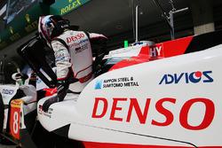 #8 Toyota Gazoo Racing Toyota TS050 Hybrid: Anthony Davidson