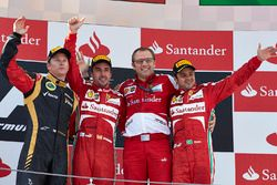 Podium: race winner Fernando Alonso, Ferrari, second place Kimi Raikkonen, Lotus F1 Team, third plac