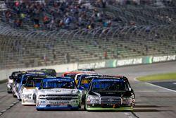 Austin Cindric, Brad Keselowski Racing Ford Johnny Sauter, GMS Racing Chevrolet