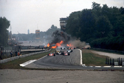 Italian GP 1978 start action, Ronnie Peterson crash