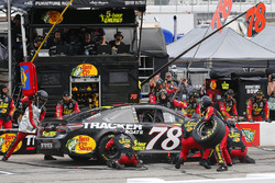 Martin Truex Jr., Furniture Row Racing, Toyota Camry 5-hour ENERGY/Bass Pro Shops pit stop