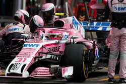 Esteban Ocon, Force India VJM11, leaves his pit box after a stop