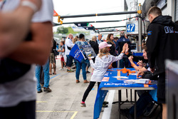 Young fan at the autograph Session